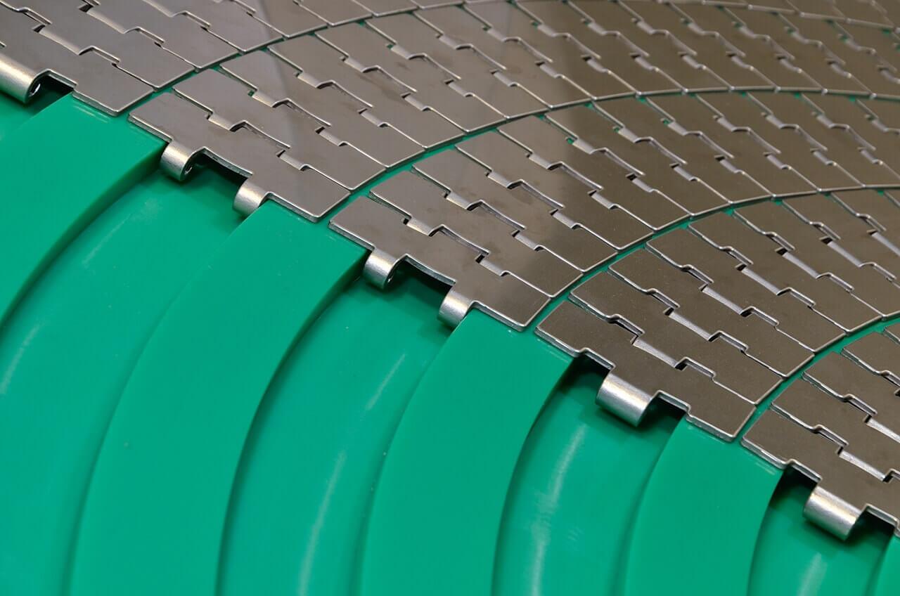 Фото - поворотные направляющие для пластинчатых цепей и модульных лент